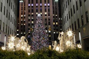 11-29-12-NYC-Christmas-tree_full_600